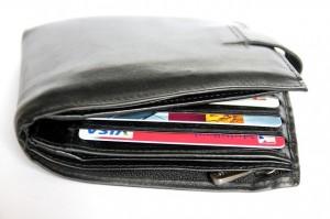 wallet-367975_640-300x199