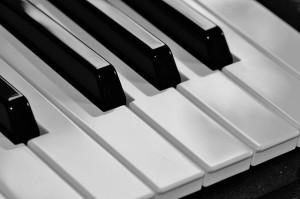 piano-362249_640-300x199